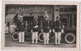 Photo Originale  Militaria Marine Défilé Agence Paquet France Journal Jeep Lieu à Identifier - War, Military