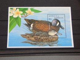 Antigua - 1995 Geese Birds Block MNH__(TH-15505) - Antigua Y Barbuda (1981-...)