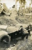 Indonésie Ile De Sumatra Voiture Accident Riviere Ancienne Photo Snapshot Amateur 1935