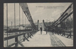 DF / 38 ISERE / GRENOBLE / LE PONT SUSPENDU SUR LE DRAC ET LA CHAÎNE DES ALPES / ANIMÉE / CIRCULÉE EN 1917 - Grenoble