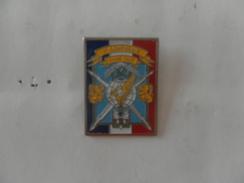 N° 626 : PIN'S 3e COMPAGNIE FAIRE FACE - Militaria