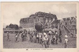 CPA FRANCE LA BAULE L'HOTEL HERMITAGE ENFANT SUR LA PLAGE - Le Pouliguen