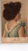 Portrait De Femme Avec Cheveux Véritables - Femmes