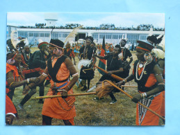 KENYA -Kikuyu Dancer, At Nairobi Airport - Edition East Africa (costumes, Coiffes) - Kenya