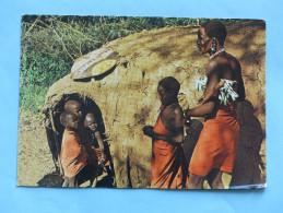 KENYA - MASAI Family - Photo By Dino Sassi (costumes, Coiffes) - Kenya