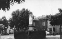 Tarn - Lombers - Monument Aux Morts - Voitures Dauphine Et 4 CV - Andere Gemeenten