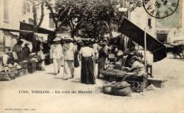 83 TOULON Un Coin Du Marché  Carte Précurseur Animée - Toulon