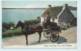 Irish Jaunting Car And Cottage - Irlande