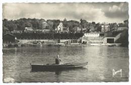 VILLENEUVE-SAINT-GEORGES (94) Vue D'ensemble - Pêcheur Dans Une Barque Sur La Seine - Église Saint-Georges Classée MH - Villeneuve Saint Georges