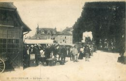 N°185 E - Cpa Ouistreham -la Gare- - Gares - Avec Trains