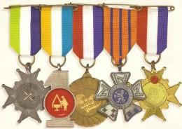 CP - Medailles Voor Moeder - Des Médailles Pour Maman - Fête Des Mères