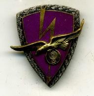 Insigne Escadron Des Transmission 804,AIX LES MILLES___drago - Armée De L'air