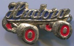 HUDORA - Skating, Roller Skates, Vintage Pin, Badge - Patinage Artistique