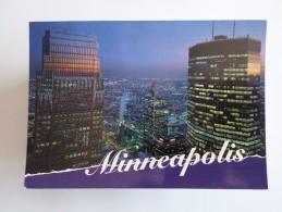 POSTCARD & STAMP USA MINNESOTA MINNEAPOLIS VIEW BY NIGHT YAER 1990 - Minneapolis