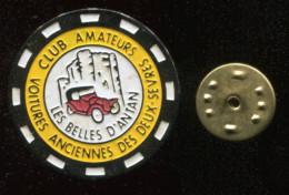 Pin´s - Club Amateurs Les Belles D'Antan Voitures Anciennes Des Deux Sevres - Badges