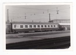 PHOTO Originale  Train Wagon Voiture Couchettes Dans Les Années 70 - Trains