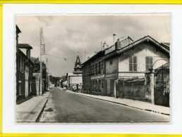 BIEVRES  La Poste. Edition Alpha  N° 704 - Bievres