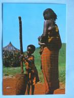 KENYA - BORANA Village  (costumes, Coiffes) - Kenya