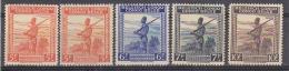 Belgisch Congo 1942 Soldaat (voorrang Nederlands)  5w  * SOMS MET PLAKKER / GOM TROPISCH Dwz Bruine Vlekken  (29471) - Belgisch-Kongo