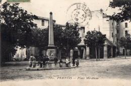 64Cha   84 Pertuis Place Mirabeau Enfants Autour De La Fontaine - Pertuis