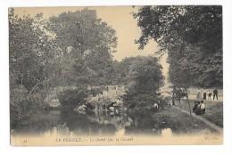LE VESINET  (cpa 78)  Le Grand Lac - La Cascade - - Autres Communes