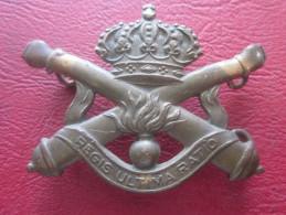 BELGIQUE-BELGIAN ARMY-INSIGNE ARTILLERIE-REGIS ULTIMA RATIO-ARTILLERY CAP BADGE MILITAIRE DE BERET Manque Accroche Verso - Landmacht