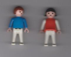 COUPLE  ENFANTS ( GARCON ET FILLE  ) / 5.5cm /  HABILLES  EN ROUGE Et  BLEU / GEOBRA  1981 - Playmobil