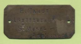 08 - ARDENNES - SAINT MOREL -  PLAQUE DE CUIVRE GRAVEE - Instituteur - E. CAMUS - Cuivres