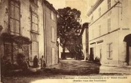 D 84 - LOURMARIN - Fontaine Renaissance Et Gd Hôtel OLLIER - Lourmarin