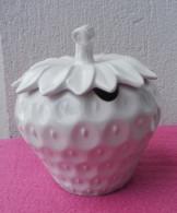 MOUTARDIER Ou CONFITURIER En Porcelaine D´Italie En Forme De Fraise - Céramiques
