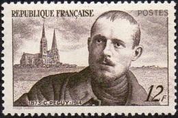 France Célébrité écrivain - N°  865 * Monument - Charles Péguy Et Cathédrale De Chartres - Ecrivains
