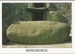 IL.- Ierland. Newgrange. Newwgrange Tomb Co. Meath. 2 Scans. - Meath