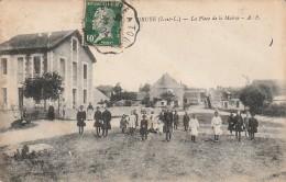 37 - DRUYE -  La Place De La Mairie - Andere Gemeenten