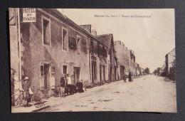 DERVAL - Route De Chateaubriant - Hotel Des Voyageurs - Vélo Cycliste - Animée - Derval