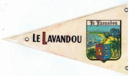 Ecusson Drapeau   Plastifié  Le Lavandou  21 Cm - Escudos En Tela