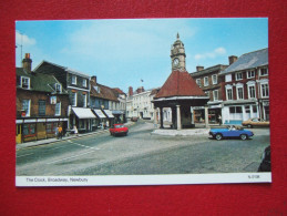 ROYAUME- UNI - NEWBURY - THE CLOCK , BROADWAY -  - - Angleterre