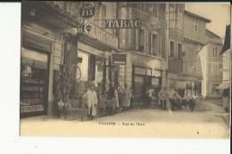 Thiviers  24  La Rue Du Thon Tres Tres Animée Epicerie-Tabac Avec Pompe Essence Au Mur Et Patisserie - Thiviers