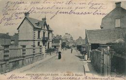 ARROMANCHES LES BAINS - La Rue De Bayeux - Arromanches