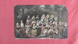 Group Of Females  Ref  2194 - Europe