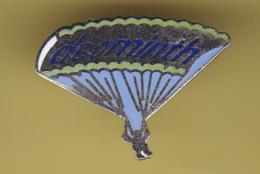 49350-Pin's.Deominth,. Dents.parapente. - Parachutting