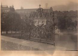 Photo Originale Fer Forgé - Joli Balcon En Fer Forgé D'art Avec Coeur Et Croix à Identifier - - Objetos
