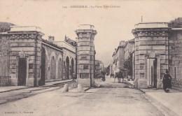 16Q - 38 - Grenoble - Isère - La Porte Très-Cloîtres - N° 744 - Grenoble