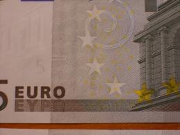 UN BILLETE DE 5 EUROS ESPAÑA ( V ) FIRMA DUISENBERG DE LOS PRIMEROS AÑO 2002 SERIE M003 S/C PLANCHA RIGUROSA - EURO