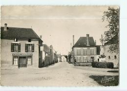 CHEU : Rue De Saint Florentin, Le Café Marcel, Monument Aux Morts. 2 Scans. Edition Mignon - Altri Comuni