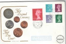 First Decimal Currency First Day Cover Busta Con Francoboli E Monete Gran Bretagna 1971 - 1952-.... (Elisabetta II)