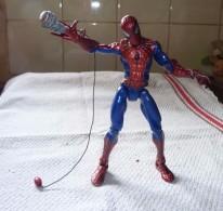 Figurine MARVEL Spider Man Hasbro 2006 / 16 Cm / AVEC ARME TBE - Spiderman