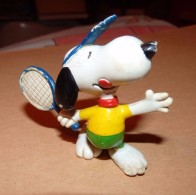 SNOOPY UNITED FEATURE DE 1988 / TENNIS / 5.5 CM - Snoopy