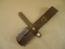 Gousset En Cuir Brun Pour Baïonnette Mauser Yougoslave Mle 44 - Equipo