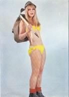Pin Up - Girl In Swimming Swimm Suit Climbing Mountaineering 1967 - Pin-Ups