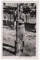 CARTE POSTALE -PHOTO - SAÏGON  BATTEUSE DE RIZ    ANNEE 1954   INDOCHINE - Vietnam